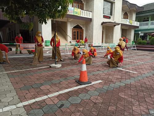 Gerakan senin bersih dalam rangka menyambut bulan Ramadhan 1442 Hijriyah